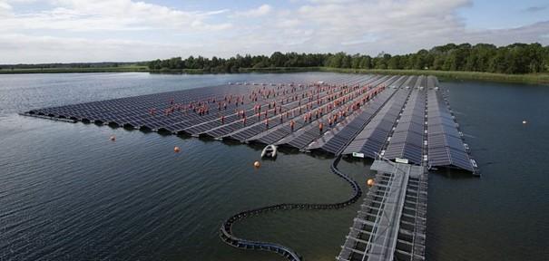 Drijvend zonnepark Bomhofsplas, voorbeeld van ruimtelijk gebruik oppervlaktewater